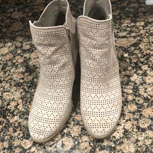 Carlos low cut boots